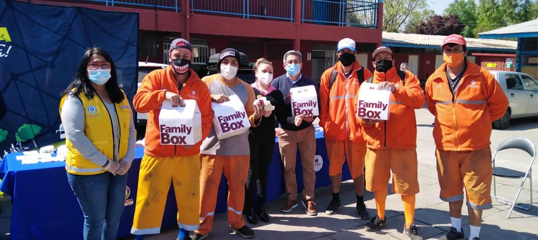 Donamos más de 600 hamburguesas a trabajadores chilenos de recolección y limpieza comunal