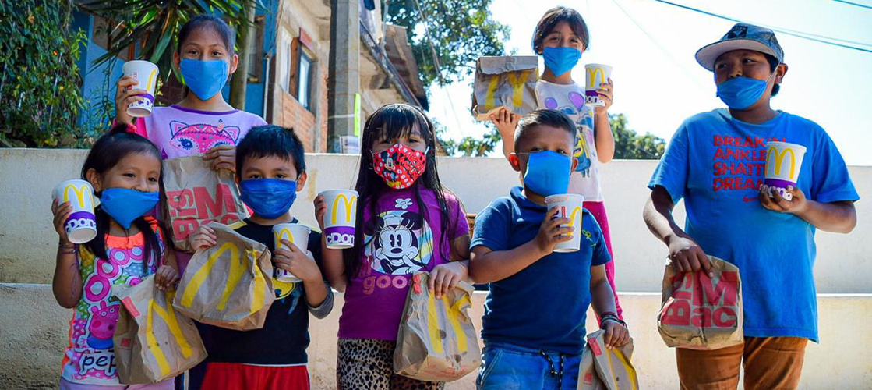 Donamos 300 hamburguesas a las comunidades vulnerables de México