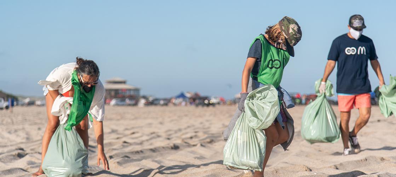 En Argentina, nos unimos a la cooperativa ´Reciclando Conciencia´ para limpiar las playas este verano