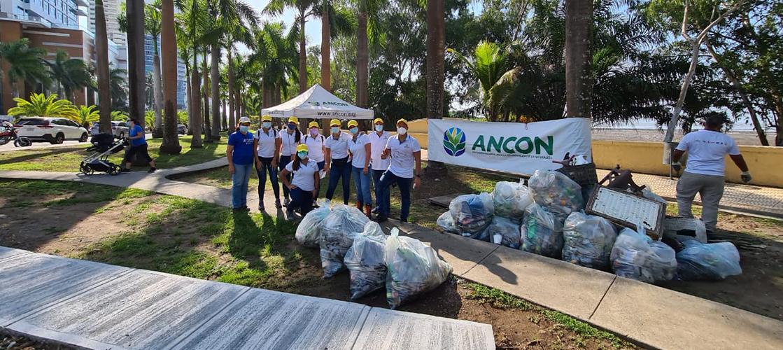 Recolectamos 75 kilos de basura en una jornada de limpieza de playas panameñas