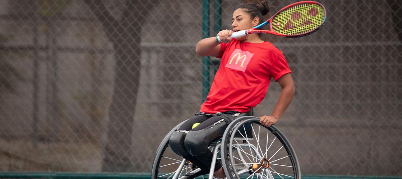 """Incorporamos a la tenista paralímpica Macarena Cabrillana al programa """"Embajadores Deportivos"""" de Chile"""