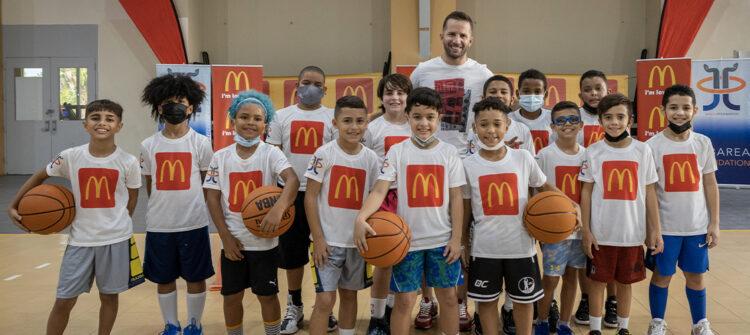 Apoyamos el deporte infantil en Puerto Rico junto a JJ Barea Foundation